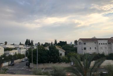 230 m2, jardin , 4 etages , Tel Aviv