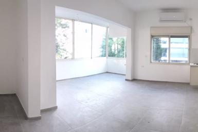 balcon , renové, appartement lumineux et calme