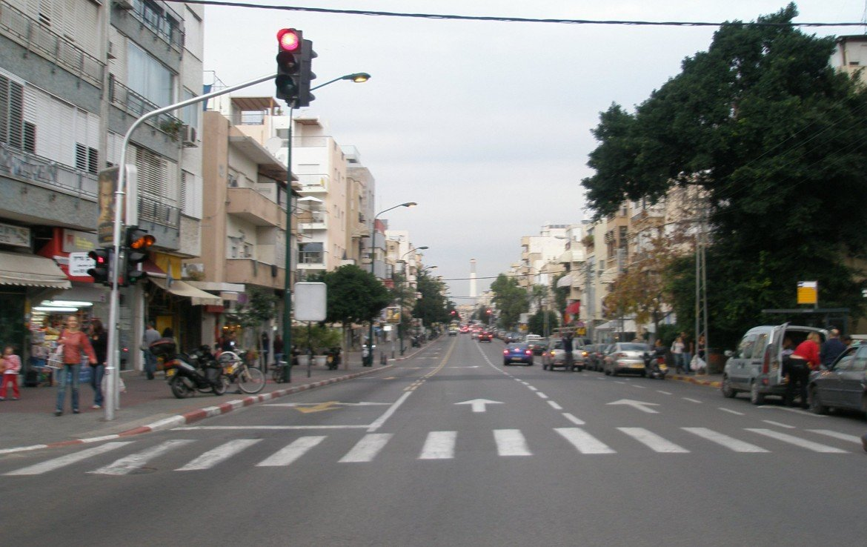 A LOUER BOUTIQUE SUR BEN YEHUDA - TEL AVIV