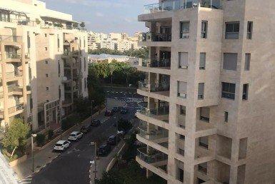 À LOUER 4 PIÈCES GOUSH HAGADOL- TEL AVIV