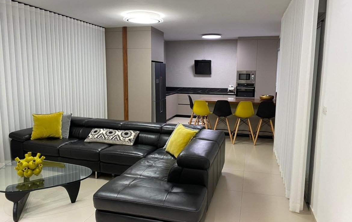 A VENDRE PENTHOUSE 5 PIÈCES HADERA