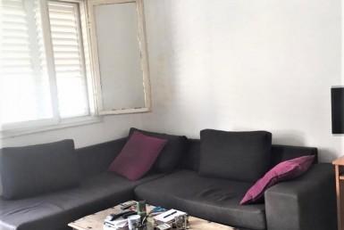 A LOUER - SPACIEUX 2 PIECES AVEC BALCON - FLORENTINE - TEL AVIV *** ( renovation prevue)