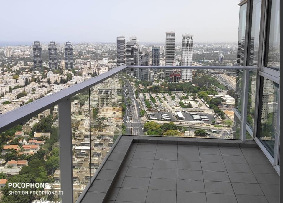 À LOUER 4 PIÈCES TOUR MENAHEM BEGIN -TEL AVIV